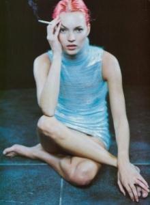 blue-cigarette-girl-kate-moss-pink-hair-vintage-Favim.com-104500